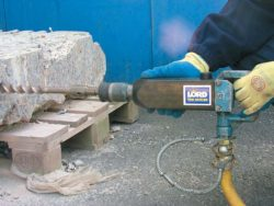 LOW VIBRATION ROCK DRILL/DEMOLITION HAMMER