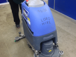 FLOOR SCRUBBER/DRYER