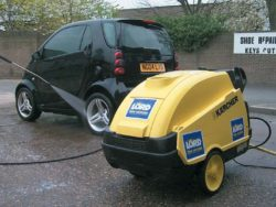 ELECTRIC PRESSURE WASHER - HOT OR COLD WATER